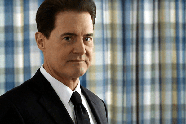 "Agent Cooper wakes up in the hospital and tells Bushnell Mullins, ""I am the F.B.I."""